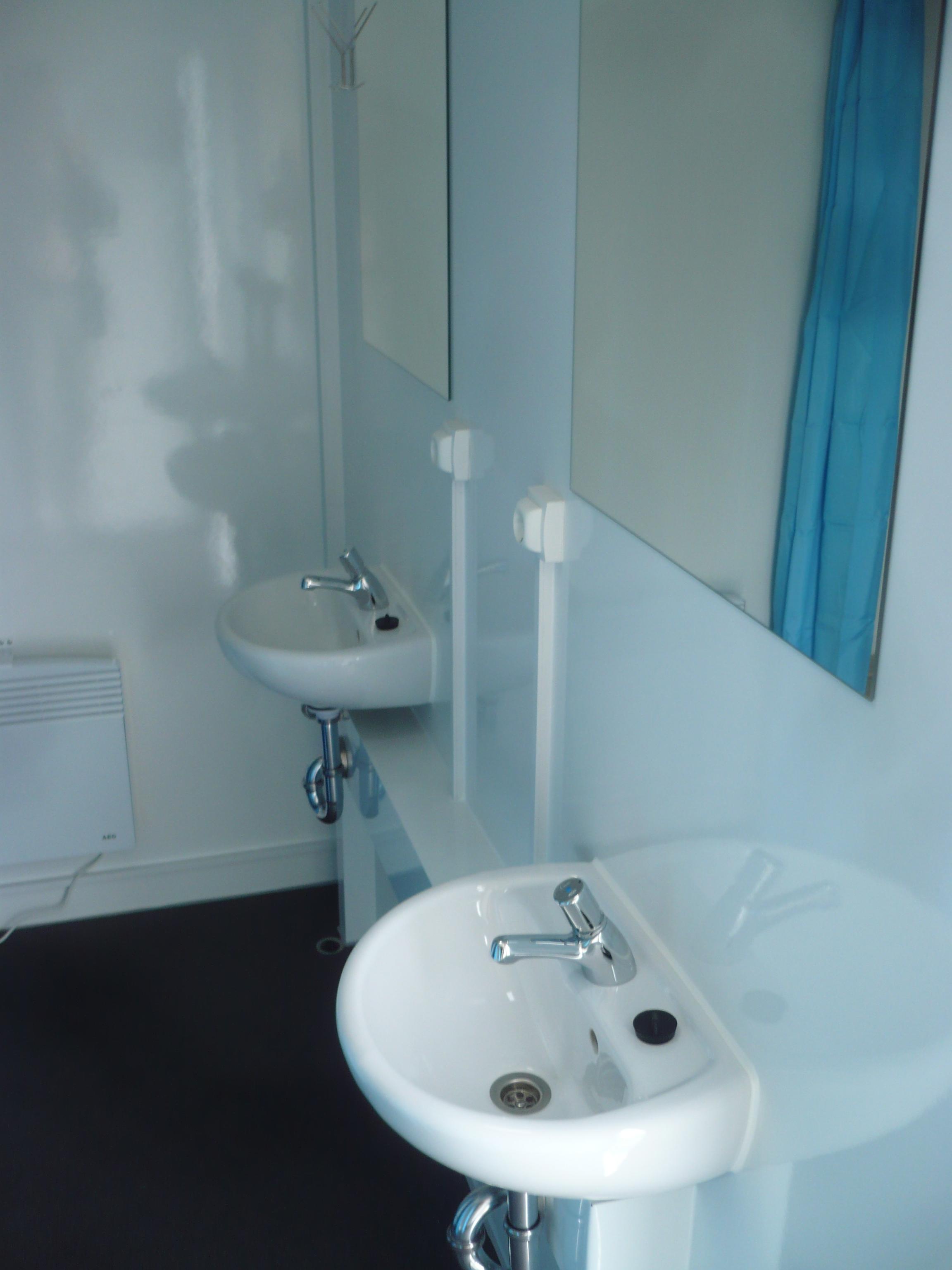 Type 8 x SHOWER - 73, Mobile showers - Eurowagon