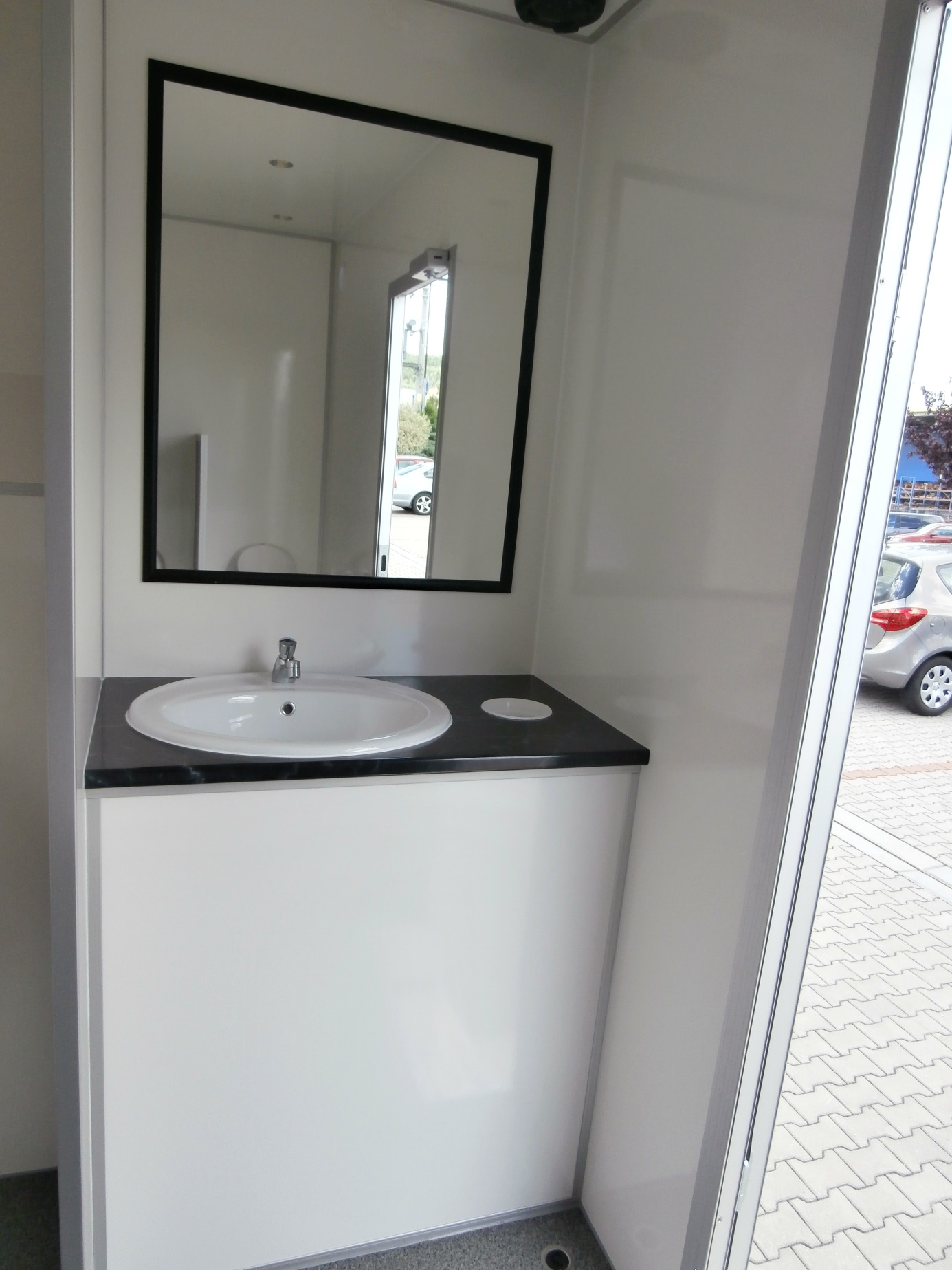 Type Vip Wc 3 1 5 61 Toilet Trailers Eurowagon